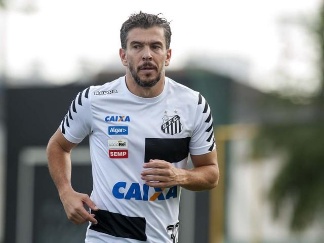 Santos continua faxina e procura clube para dois jogadores