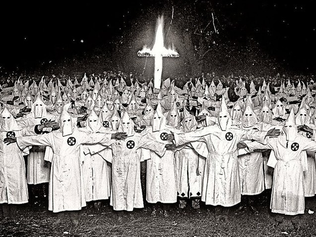 Ex-líder da Ku Klux Klan elogia Bolsonaro