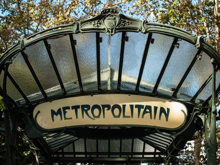 O metrô de Paris: breve história e estações atípicas
