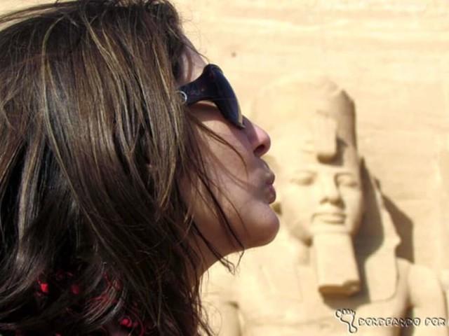 """""""Conheci um rapaz do Egito pela internet"""": é paixão ou pode ser cilada?"""