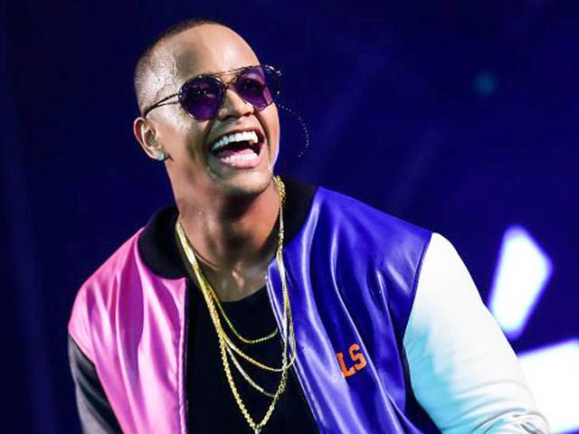 Léo Santana diz que lançará uma música de reggaeton ao lado de Anitta