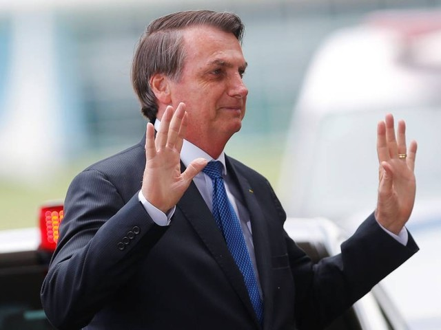 Jair Bolsonaro afirma que vai incluir policiais condenados em indulto natalino