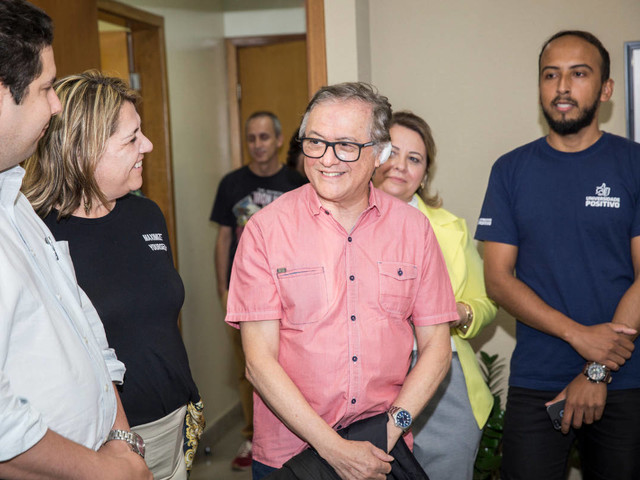 Vélez indica para secretarias do MEC ex-alunos de filosofia sem experiência de gestão