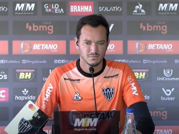"""Liderança no Atlético-MG, Réver fala de reencontro com Diego Tardelli e elogia Carille: """"Excelente treinador"""""""