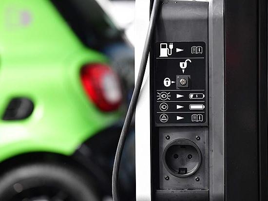 Destino de bateria de carros elétricos será desafio do setor