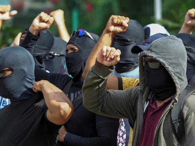 Contra a Constituição, Damares diz que policiais militares têm direito de fazer greve