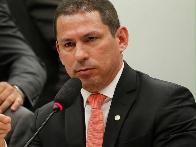 Presidente da Comissão da reforma da Previdência diz que Levy serve ao país e não a partidos