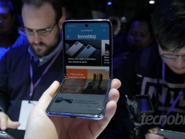 Por que a tela dobrável do Galaxy Z Flip gera polêmica (é vidro?)
