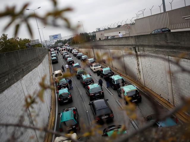 Autarquias estão a restringir oferta de táxis em Portugal
