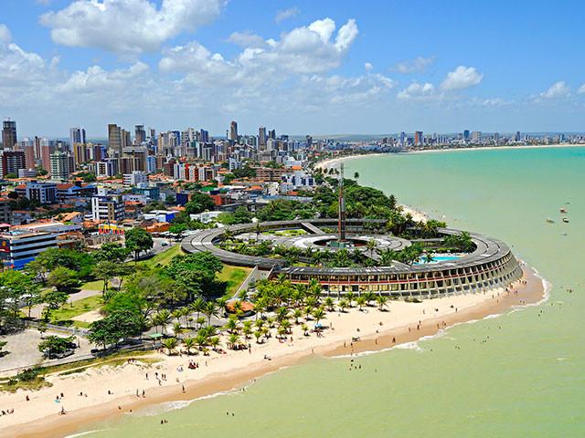 Calmaria e lindas praias em João Pessoa. Visite!
