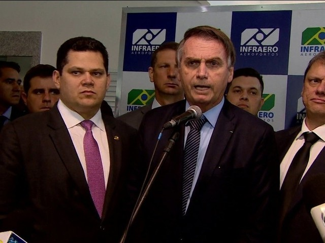 'Responsável vai aparecer', diz Bolsonaro sobre músico que morreu em carro alvejado por 80 tiros