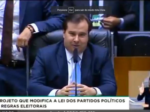 Rodrigo Maia vai para os 'TTs' após resposta a Kim Kataguiri sobre petistas vencerem Mega-Sena