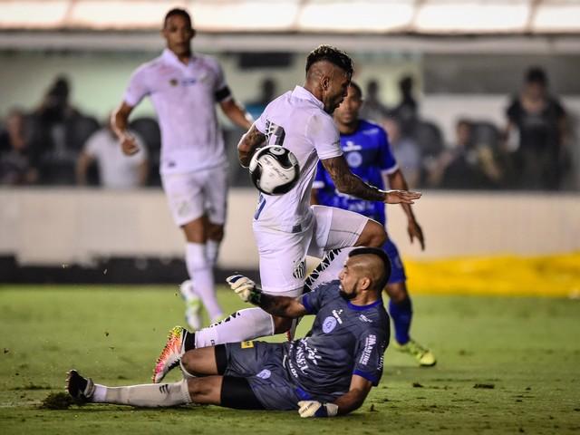 Santos venceu apenas um dos últimos sete jogos contra o São Bento na Vila Belmiro