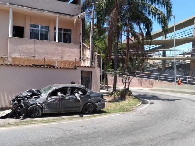 Acidente na Zona Norte deixa cinco mortos e três feridos; vítimas estavam em único carro