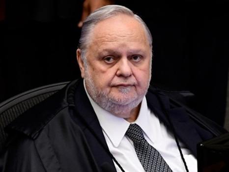 STJ escondeu da defesa de Lula que recurso seria julgado hoje