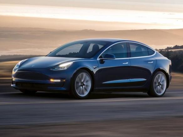 Tesla oferece Model 3 para quem conseguir hackear carro