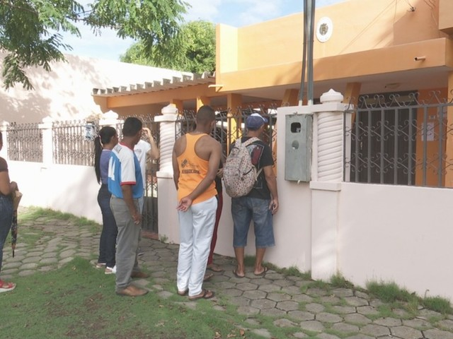 Imigrantes venezuelanos lamentam dificuldade para votar eleição presidencial em Roraima