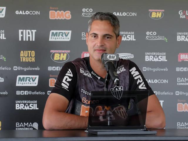 Rodrigo Santana analisa o confronto com Rogério Ceni