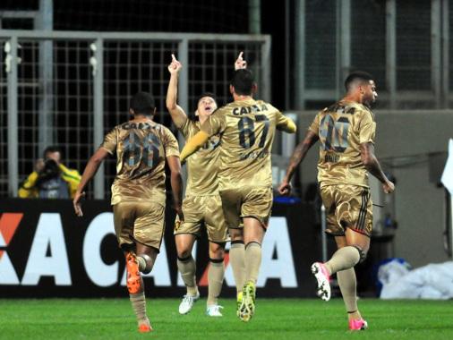 Com Osvaldo, o Sport chega a 1.000 gols marcados na Série A. É o 17º na história