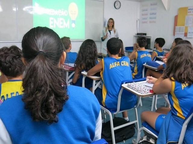 Com educação estagnada, Brasil perde uma posição no ranking do IDH da ONU