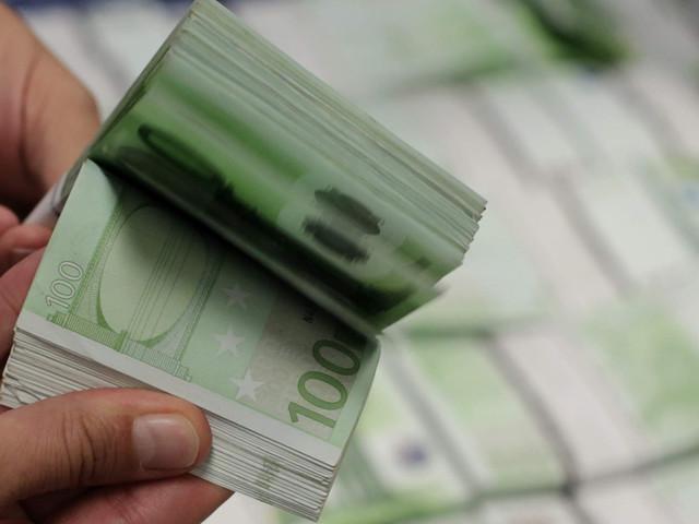 Zona euro: cidadãos dos países do sul são os que mais pagam com dinheiro