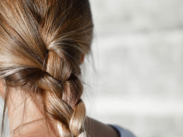 Saiba quais penteados prejudicam a saúde dos fios