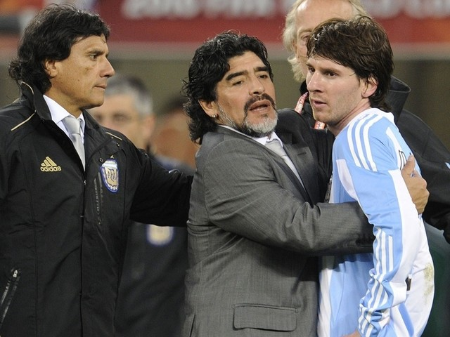Messi não convidou Maradona para o casamento, diz jornal