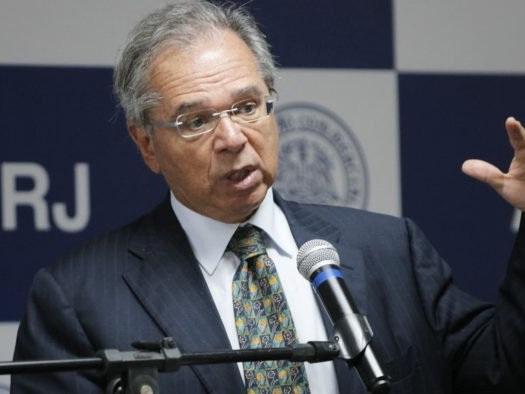 Apple quer investir em pesquisa e desenvolvimento no Brasil, diz Guedes