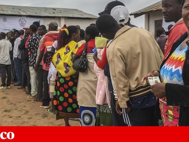 """Eleições em Moçambique: """"enchimento de urnas"""" e mesas vazias em Gaza"""