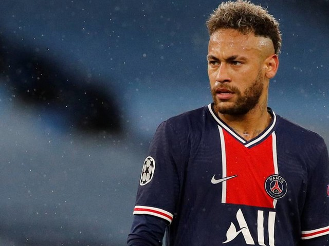 Análise: Neymar se arrisca e dobra a aposta no PSG ao renovar até 2025