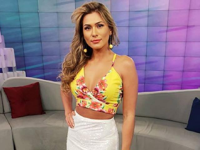 """Lívia Andrade coloca corpão para jogo: """"Missão cumprida"""""""
