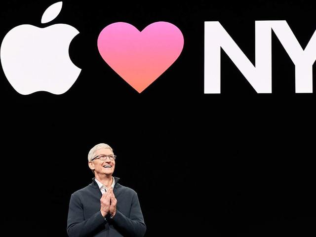 """Tim Cook: o """"parceiro"""" que Jobs deixou à frente da 'maçã' enfrenta um novo desafio"""