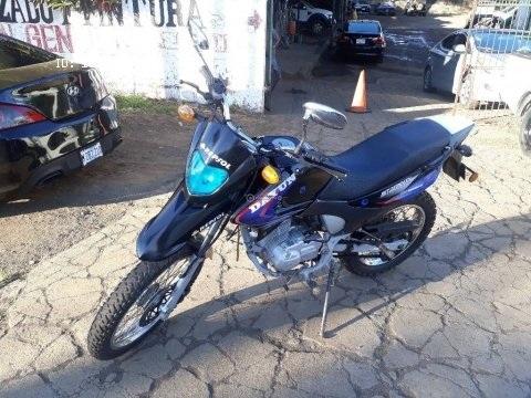 ¡Ganga! vendo Moto Dayun