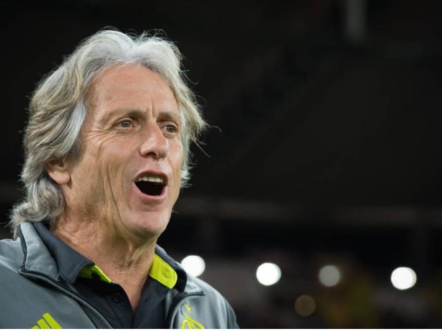 Flamengo anuncia reforço para a zaga