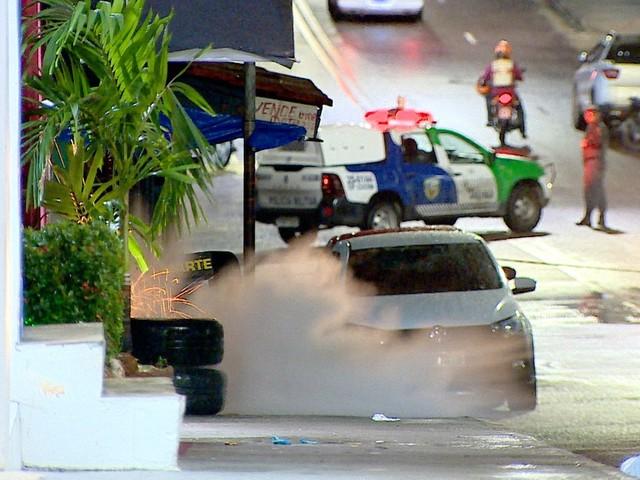 Grupo Marte detona mochila com suposto explosivo deixada em rua de Manaus