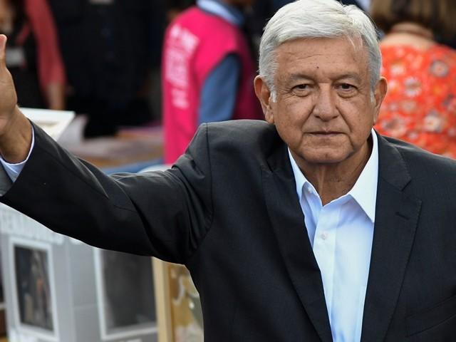 Presidente mexicano corta 60% do próprio salário