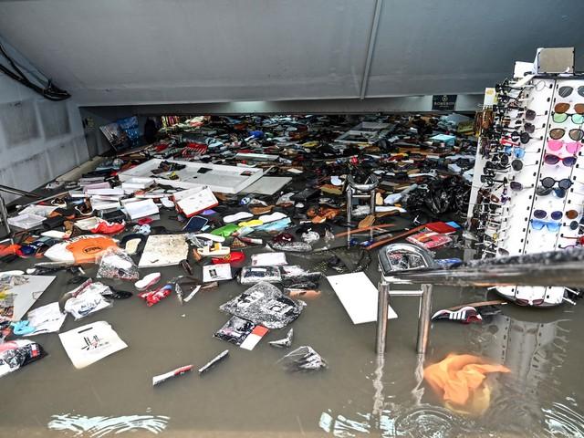 Grande Bazar é inundado em Istambul depois de fortes chuvas