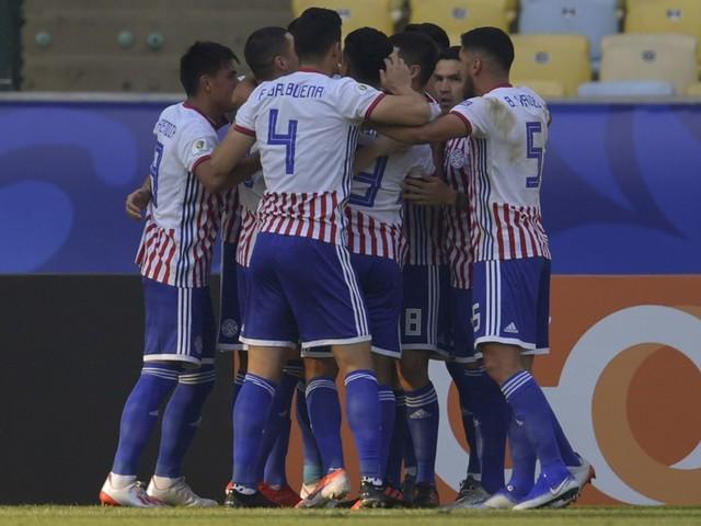 Veja fotos de Paraguai x Catar pela Copa América