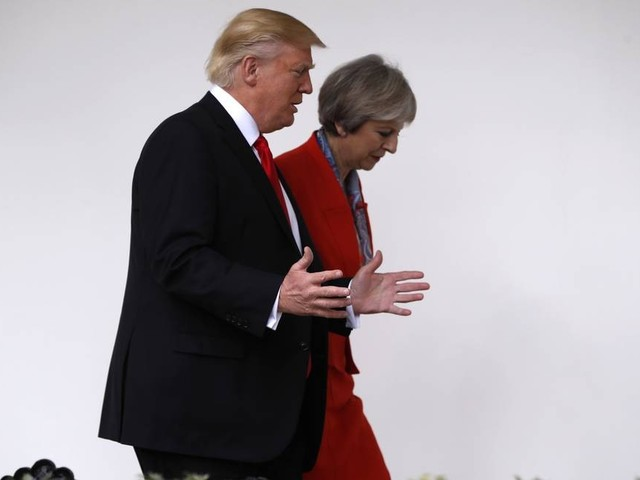 Depois de Trump e Macron, Theresa May também desiste de ir a Davos