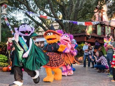 Halloween com Vila Sésamo no Busch Gardens!