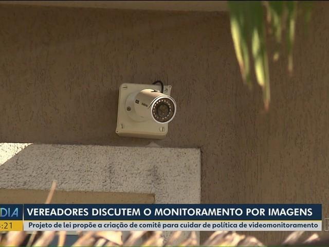 Vereadores de Curitiba discutem projeto de lei para criar comitê que cuide de videomonitoramento