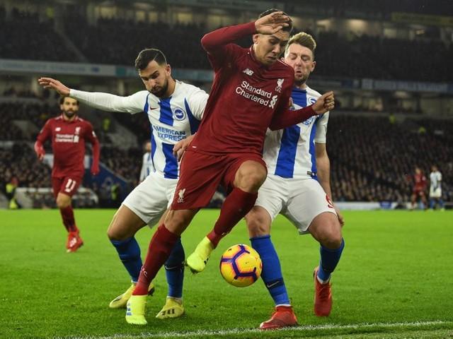 No sufoco, Liverpool vence e mantém vantagem na ponta do Inglês