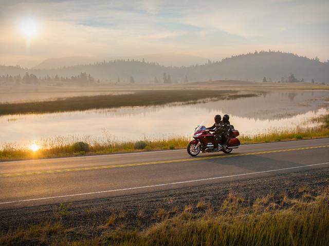 Conheça destinos para andar de moto acompanhado