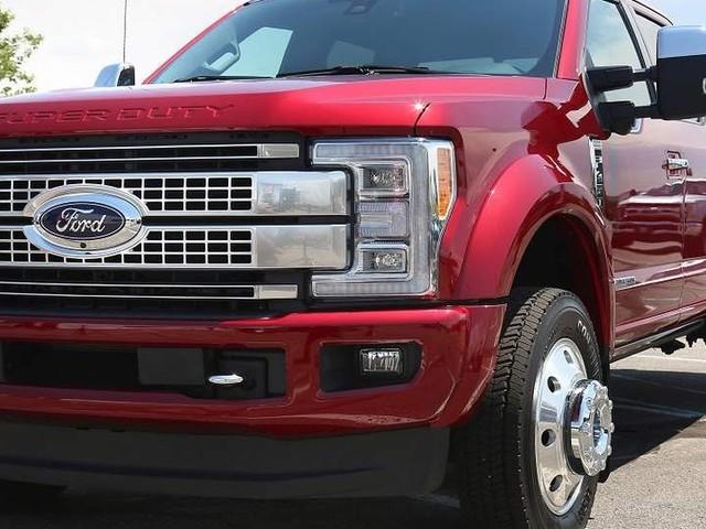Ford mostra o caminhão leve F-450 Super Duty na Fenatran