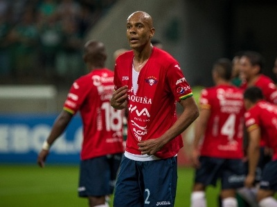 Alex Silva não foi o único: 10 malandragens que deram certo no futebol