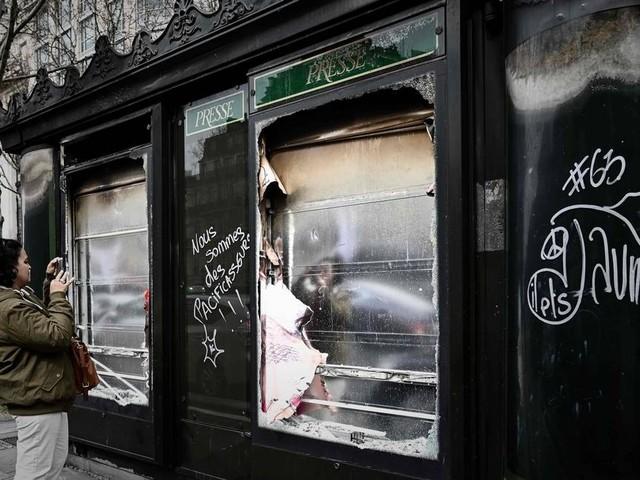 França anuncia medidas para conter violência em manifestações dos 'coletes amarelos'