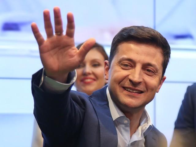 Boca de urna: comediante novato na política vence eleição presidencial na Ucrânia
