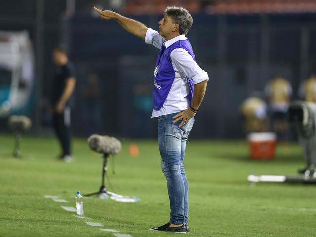 Renato exalta atitude do time após vitória sobre o Libertad