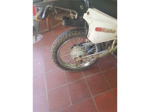 Vendo Moto Raybar ET-150 Año 2010 en excelente condición.