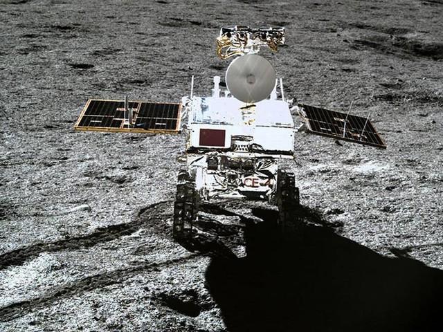 Agência espacial da China divulga vídeo de pouso de sonda no lado afastado da Lua
